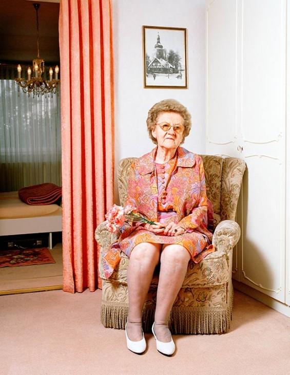 Nina Röder's Portraits Explore The Memory Of Three Generations Of Women