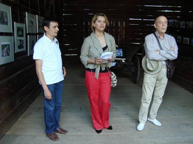 """Lucian Muntean – """"Rogojel – tradiții în tranziție"""" – vernisaj"""