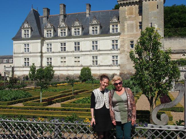 15-mai-2014---Andreea-Foanene-et-Mariana-Gavaza-aux-jardins-de-Villandry