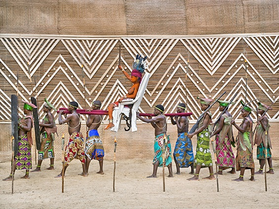Colorful Photos Tell The Story Of Motherhood, Fertility And Femininity In Democratic Republic Of The Congo