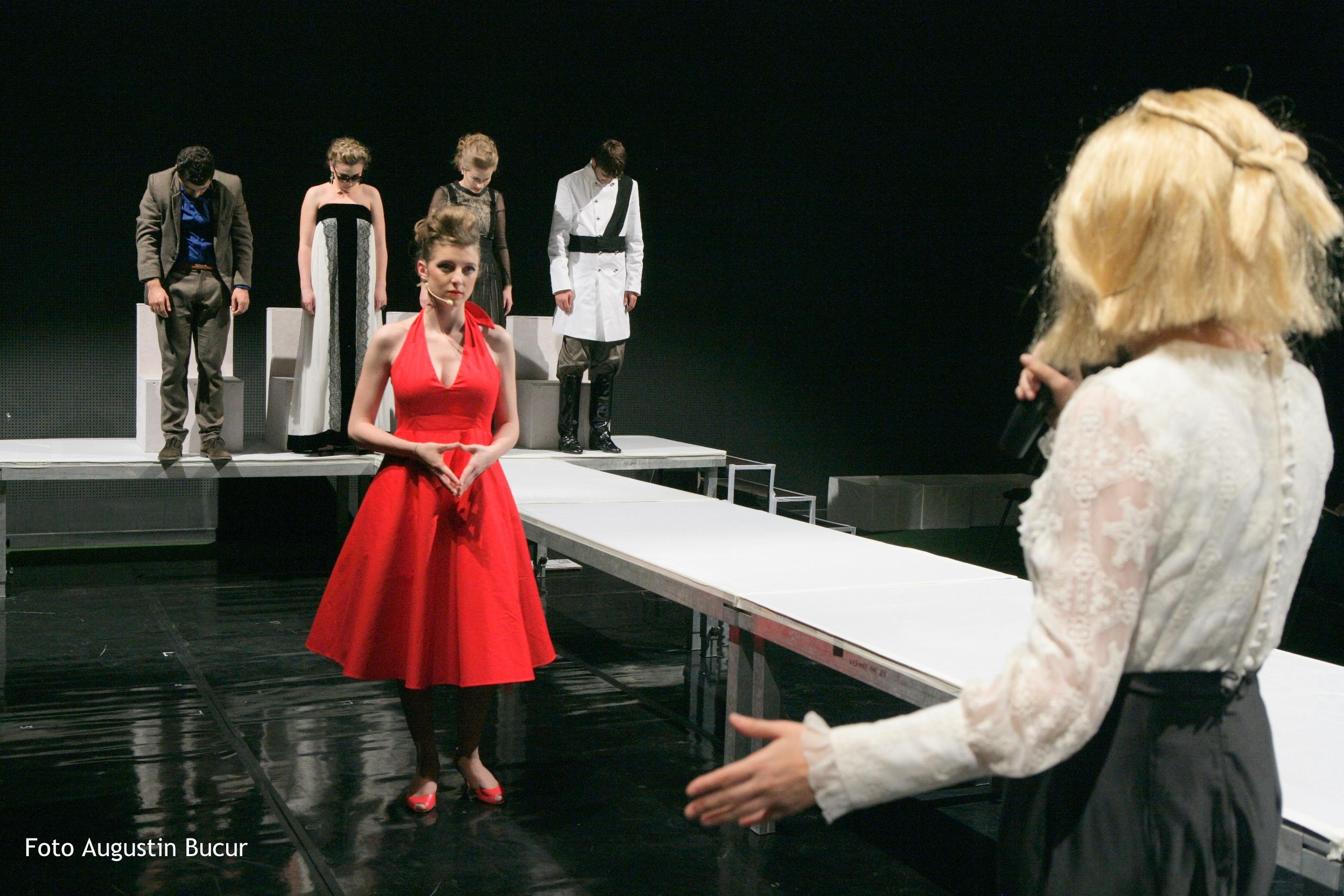 """DISTOPIE. shakespeare. REMIX la Sala Mică a Teatrului Naţional """"I.L.Caragiale"""" din Bucureşti"""