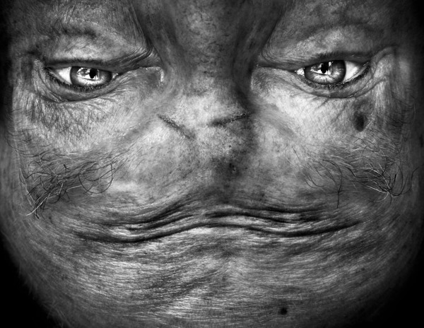 Upside Down Photos of Human Faces That Look Like Aliens