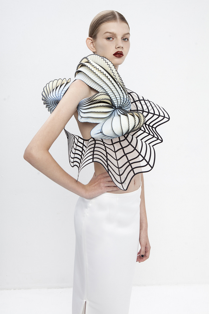 Noa Raviv Creates Sculptural Fashion Collection Inspired by 3D Modeling Software