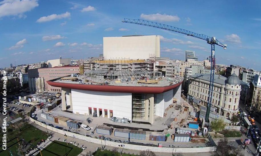Deschiderea noii stagiuni a TNB: spectacole şi proiecte promiţătoare, într-o clădire complet renovată şi modificată