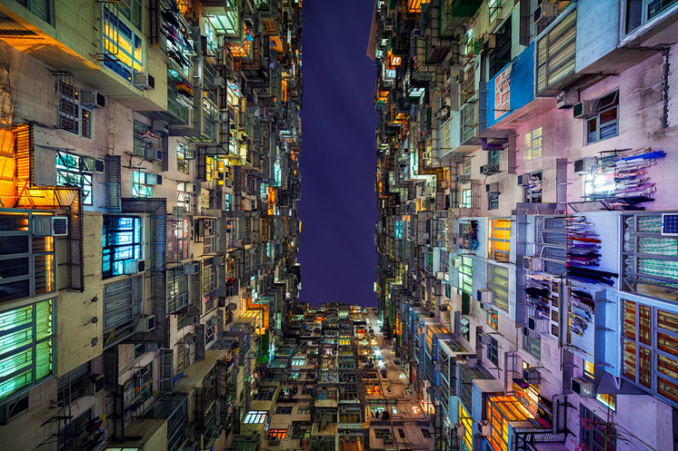 'Stacked', Photos of the Mind-Boggling Scale and Geometric Beauty of Hong Kong's Public Housing