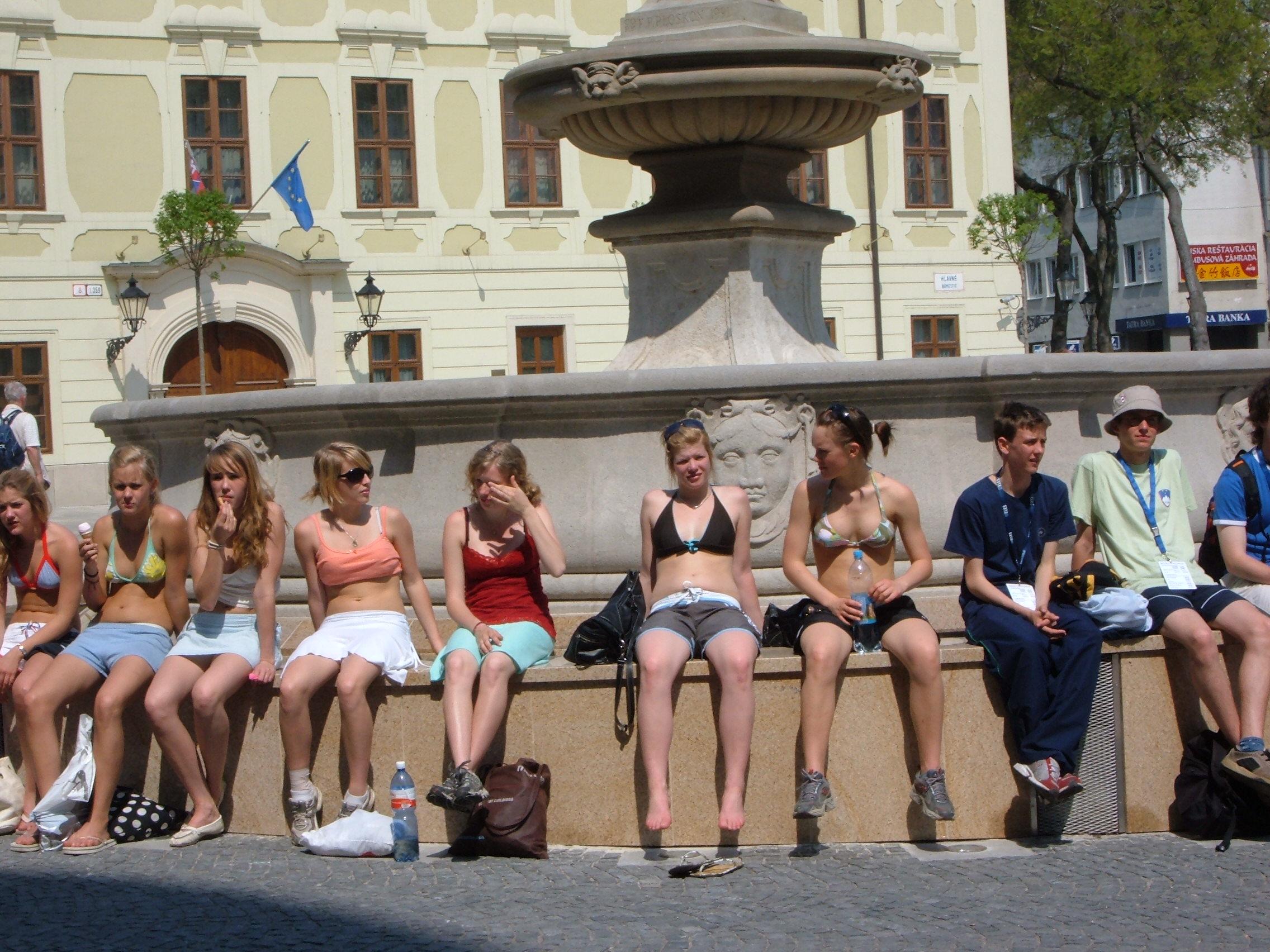 24 Turiste USA obosite in soarele Bratislavei