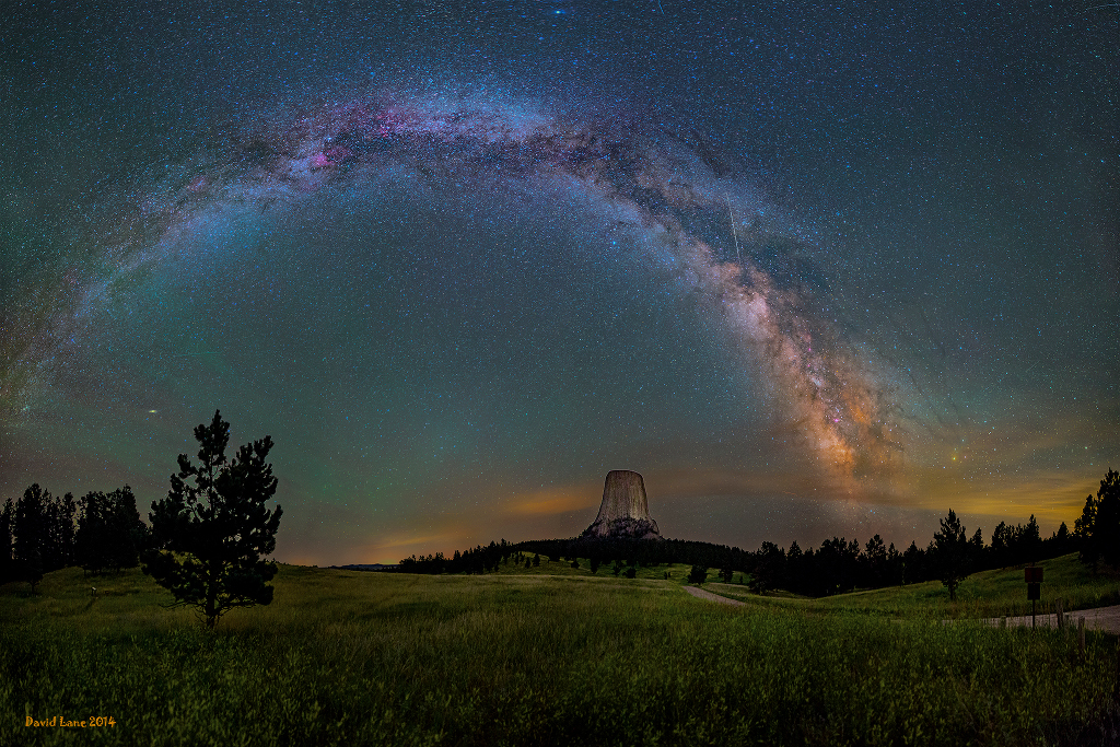 A Gorgeous Photograph of the Milky Way Galaxy Over Devils Tower in Wyoming