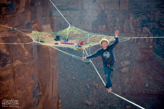 400 Foot High Hammock Installation Is Pretty Damn High
