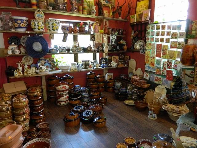 Resize of 15 Horezu shop