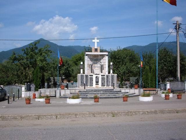 Resize of 24 Monumentul eroilor din Prundu Bargaului, jud Bistrita Nasaud