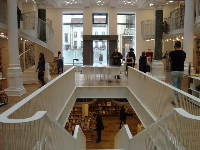 Calin Hentea @ noua librărie Cărturești