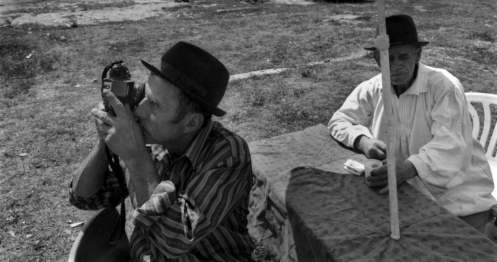 Poveștile își caută fotografii: atelierul de proiecte de fotografie documentară @ Foto Hub București