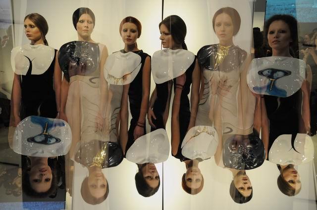 Ioana Sisea – Bleeding Gold @ Galateca