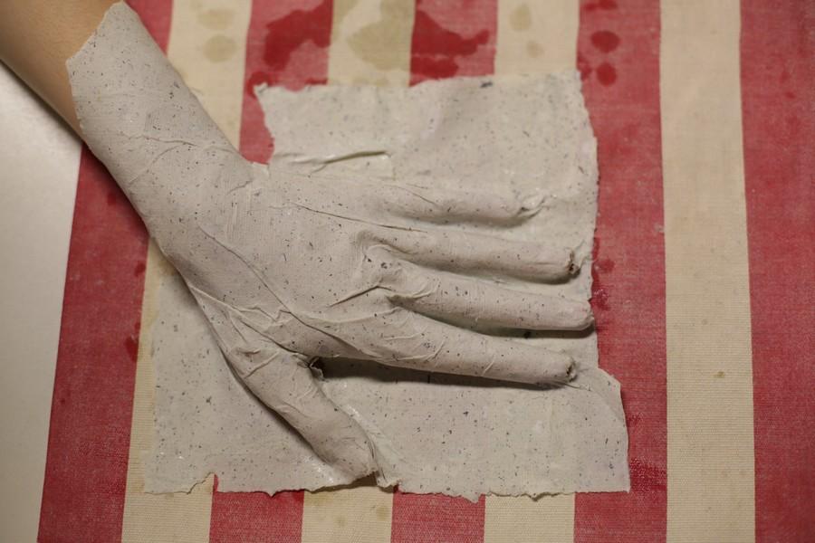 hand in hand paper – Luminu @ MTR