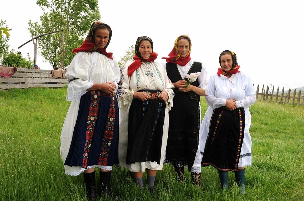Rogojel – Tradiţii în tranziţie