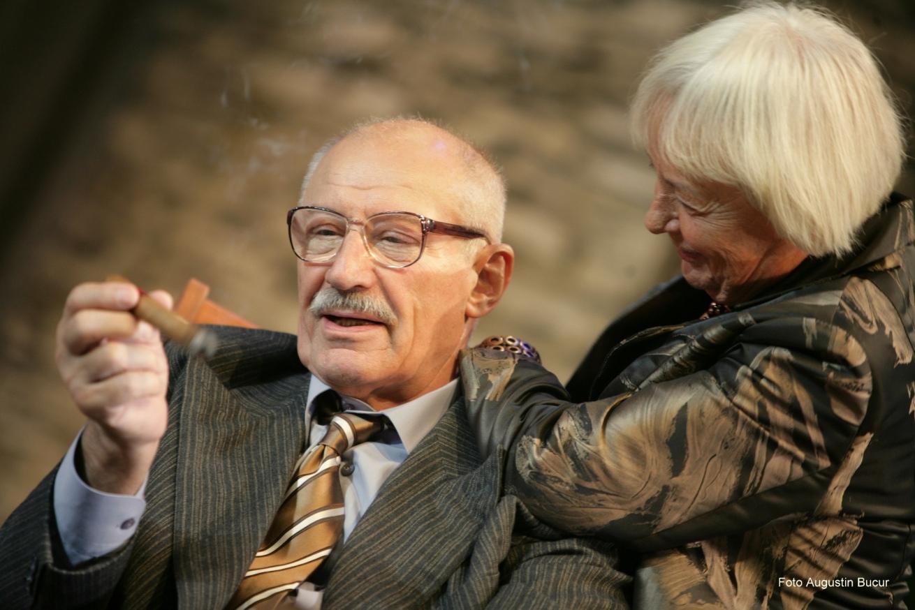"""Sanda Toma şi Victor Rebengiuc se reîntâlnesc într-o dramă puternică, """"Toţi fiii mei"""", pe scena mare a TNB"""
