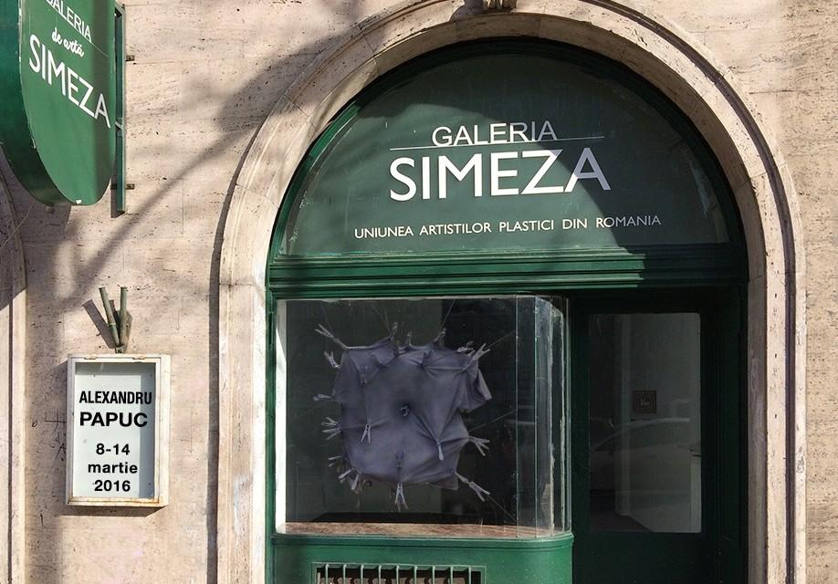 """Sculptorul Alexandru Papuc expune în cadrul proiectului """"Arta la fereastră – Galeria Simeza"""""""