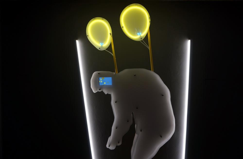 """Cosmin Haiaș """"Unelte pentru un viitor mai bun"""" @ Aiurart Contemporary Art Space, București (5)"""