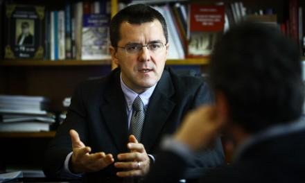 """La Conferințele TNB: Dan Dungaciu despre """"Furtună perfectă"""" în Europa. Spre un nou model de înțelegere a crizei europene"""