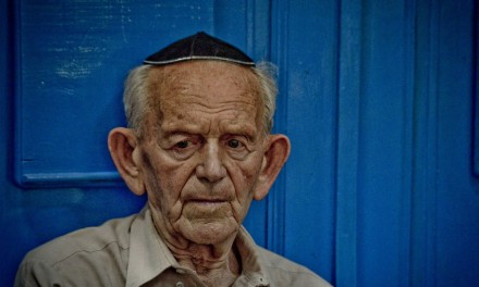 "Expoziția""Evreii din România"" se vor opri la Sinagoga Neve Shalom din Istanbul"