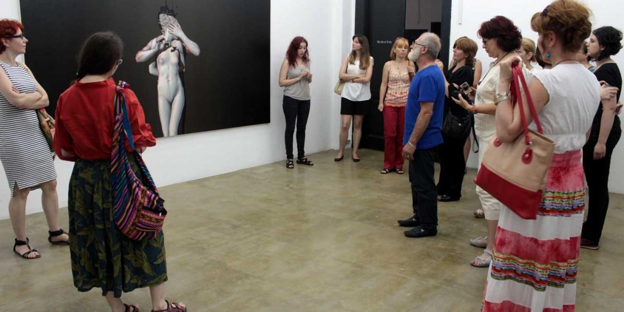 Artiști și profesori aduc arta în școlile bucureștene