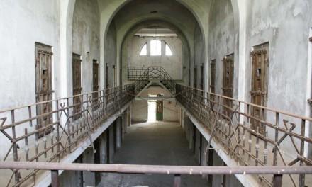 Accesul în fosta închisoare de la Râmnicu Sărat va fi oprit în vederea consolidării clădirii şi amenajării unui memorial al victimelor comunismului