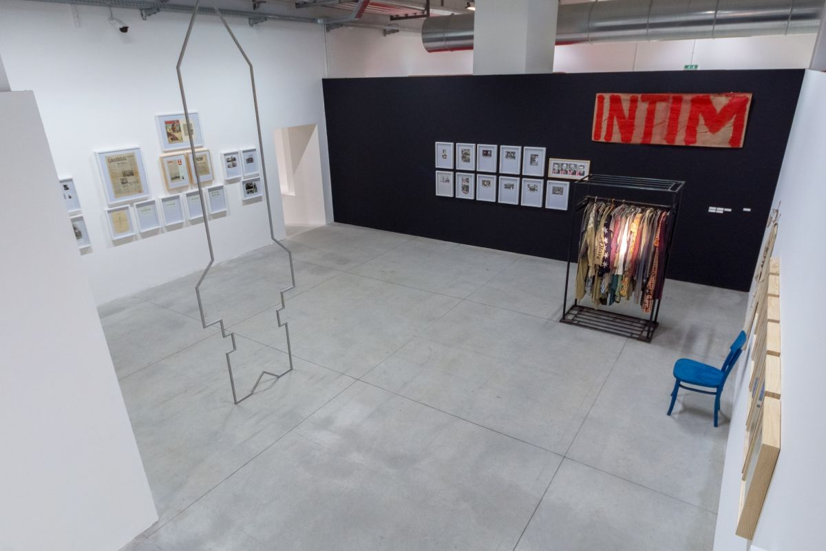 installation-view-non-aligned-modernity-exhibition-photos-by-andrej-sapric-41