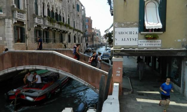 Canale și poduri venețiene