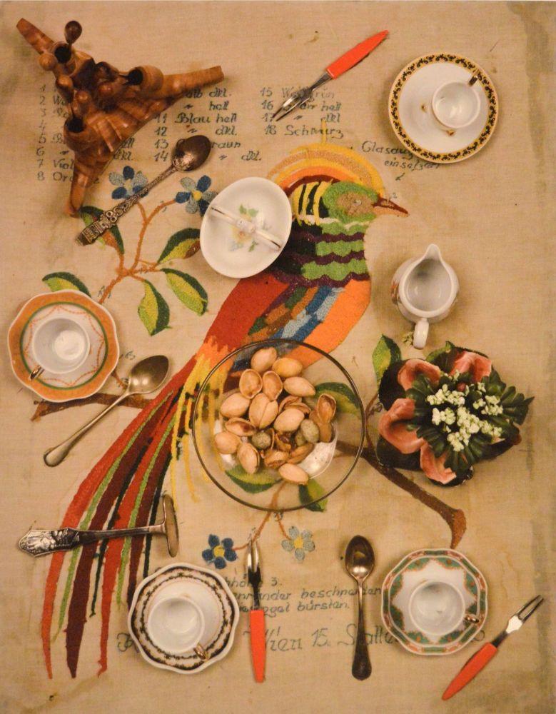 """Expoziția Daniel Spoeri """"Partea din spate a Pasării Paradisului. Mănâncă arta!"""""""