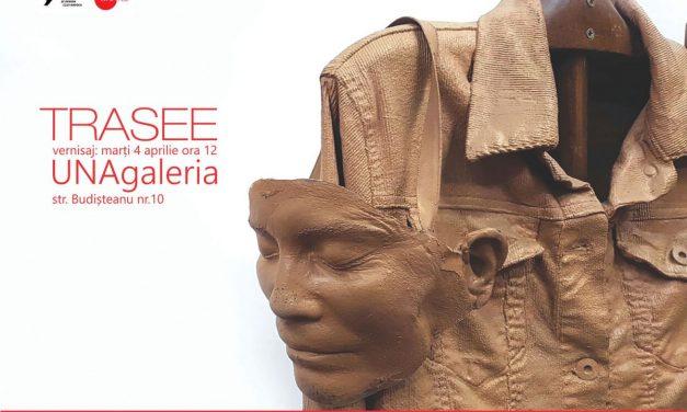 """Expoziţie de sculptură """"Trasee"""" @ UNAgaleria, București"""