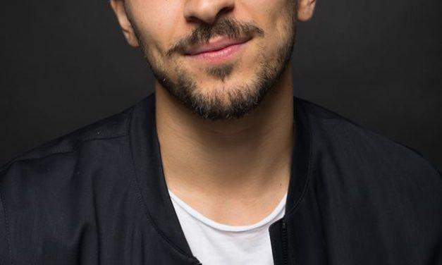 Un actor cu dublă identitate: Tourialay Akbari sau Curajul cel mare?
