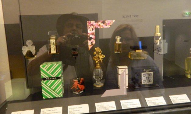 Grasse, printre parfumuri și palmieri