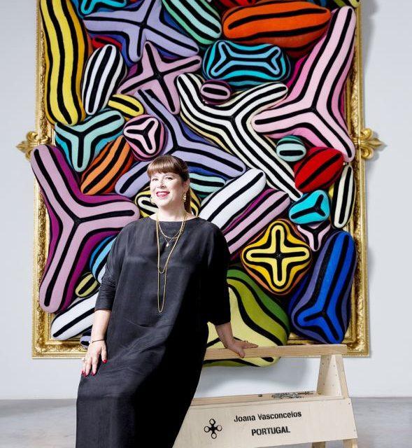 Celebra artistă portugheză Joana Vasconcelos vizitează România, la invitația Institutului Cultural Român
