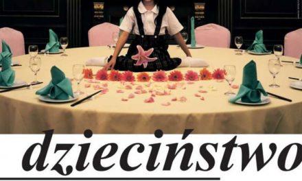 """Artişti români în expoziţia """"Copilăria"""" de la Centrul pentru Artă Contemporană din Toruń"""