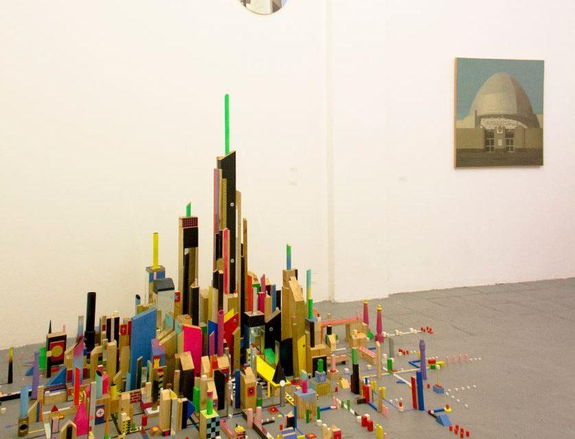 """Expoziția """"Arhitecturi Pictate. Figurativ Postconceptual Spaniol"""" la Instituto Cervantes, București"""