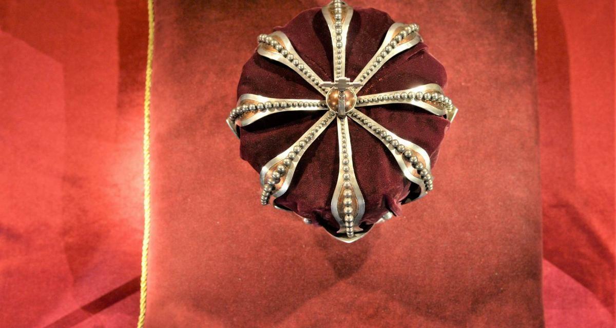 Coroana Regală @ FNT