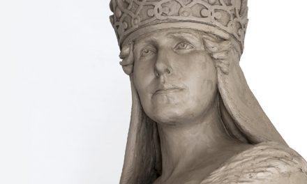 """Liliana Țuroiu, despre amplasarea statuii Reginei Maria la Ashford – """"Ne apărăm și promovăm valorile și lăsăm ceva durabil în urma noastră"""""""