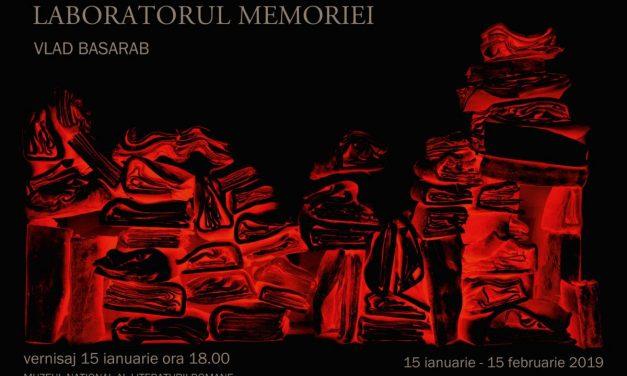 """Expoziție & lansare album de artă """"LABORATORUL MEMORIEI & ARHEOLOGIA MEMORIEI"""" @ Muzeul Național al Literaturii Române"""