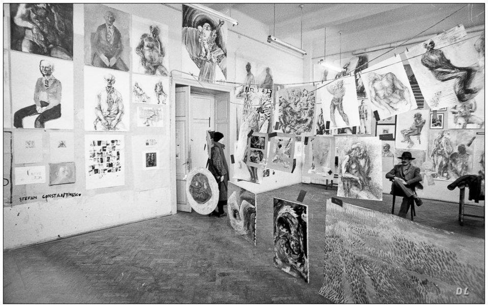 Nicolae Alexi, examen la secția de grafică pe care o conducea la Academia de Arta din București, 1993