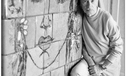 Graficianul Paul Erdös în atelierul său anii 80