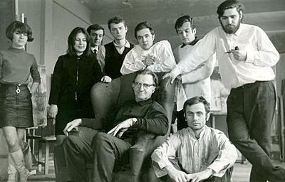 Corneliu Baba, Promoţia 1974 Sorin Dumitrescu, Ştefan Calţia, Sorin Ilfoveanu, Cornel Antonescu, Zamfir Dumitrescu, Mihai Cismaru, Doina Moisescu şi Floretina Ilea.