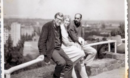 Peter Jacobi, Olga Porumbaru, Ion Oroveanu architect, în excursie UAP în Polonia, ca. 1965