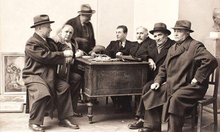Jean Al Steriadi, Arthur Verona, Camil Ressu, Cornel Medrea, Ion Jalea, Marius Bunescu, Nicolae Dărăscu și alți membri ai juriului Salonului Oficial, realizate de W Wiess, 1940