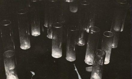 """Expoziția personală Corneliu Șerban POPA """"Ambiental 1 – spatiu – sunet – timp – lumina"""" de la Sala Kalinderu 1971"""