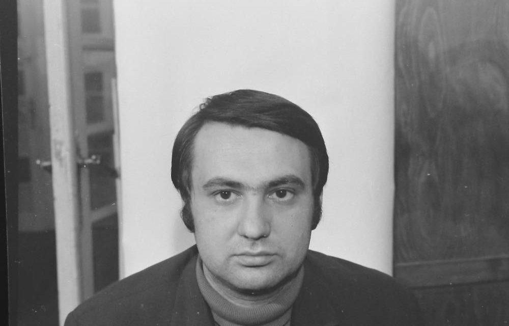Graficianul Adrian Dumitrache, septembrie 1971