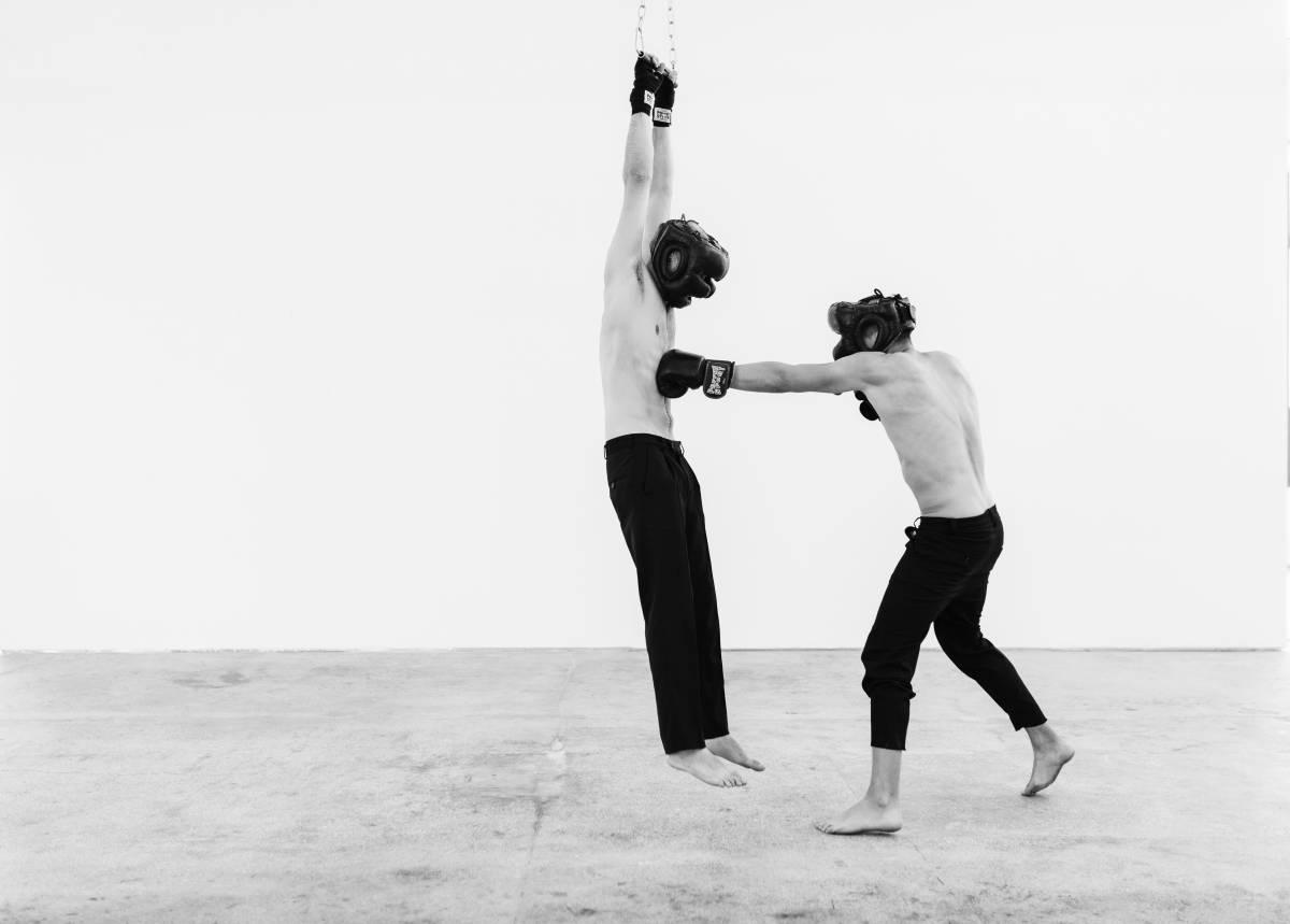 Szilard Gaspar, performance Human Punch Bag, Cornel Lazia