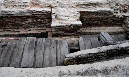 Străzi de lemn din vechiul București