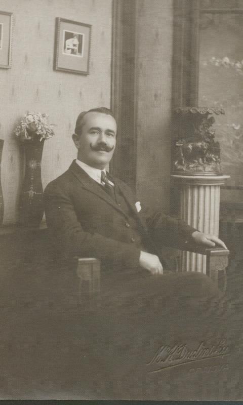 3.functionar in biroul sau-1922