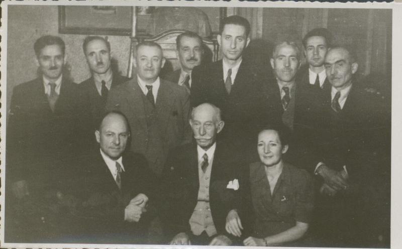 6.fabricantul rudolf gaizer si angajatii sai-1945