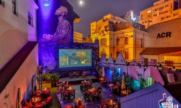 S-a deschis Grădina cu Filme – Cinema & More: film românesc, documentare despre mari coregrafi, muzicieni sau creatori de modă, concerte, teatru, spectacolede improvizație și dezbateri